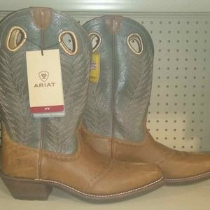 Womens CowGirl Boots, Size 10